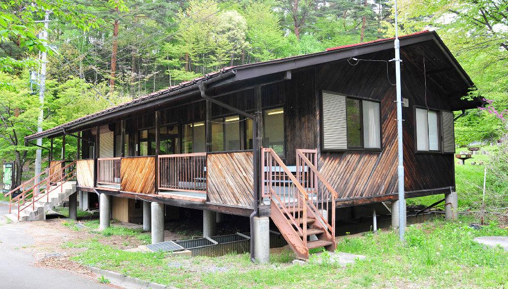 キャンプハウス
